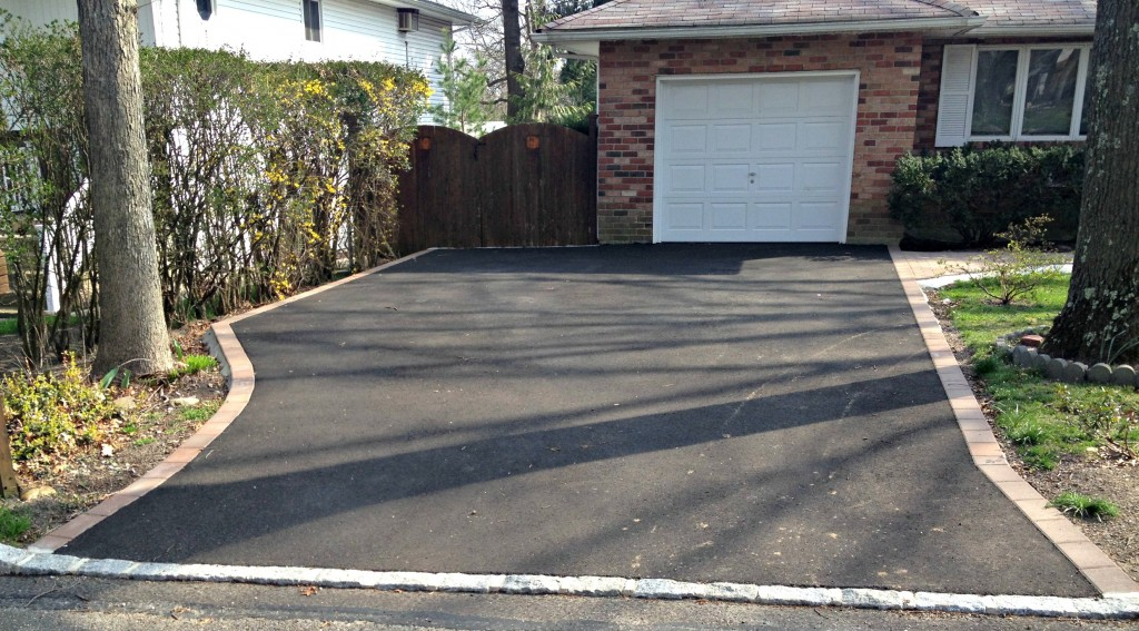 Asphalt Driveway With Paver Border Pictures 2